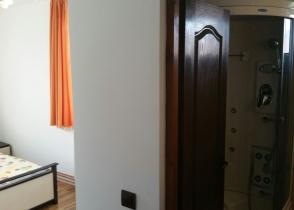 camera cu baie 3